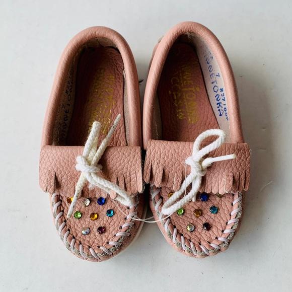 Girl's Pink Minnetonka Rhinestone Moccasin Size 7